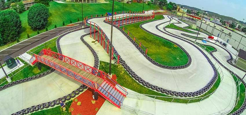 go-kart racing xtreme racing center in pigeon forge