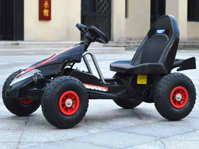 Electric go-kart with plastic bumpers